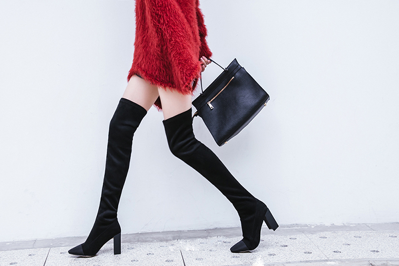 How To Make a Style Statement with Knee High Boots?