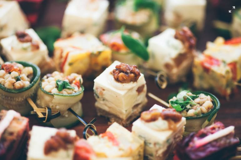 How To Hire The Right Lunch Catering Launceston Service Provider