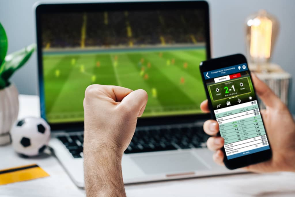 Difference between online betting and offline betting